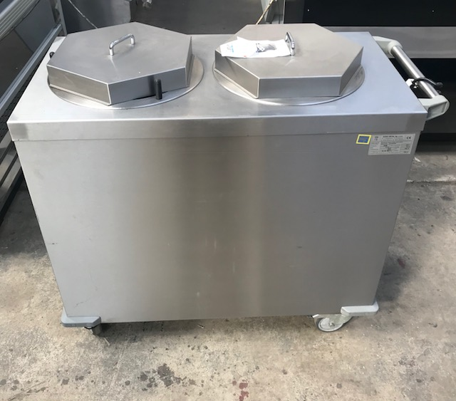 Lot 45 - Dora DM-S-94323 Mobile Double Plate warmer This Dora Metal distributor keeps plates heated ready for