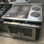 Lot 39 - Moorwood Vulcan MLE90CR-F-RS 900mm convection oven 2 solid top Manitowoc Moorwood Vulcan MLE90CR-F-