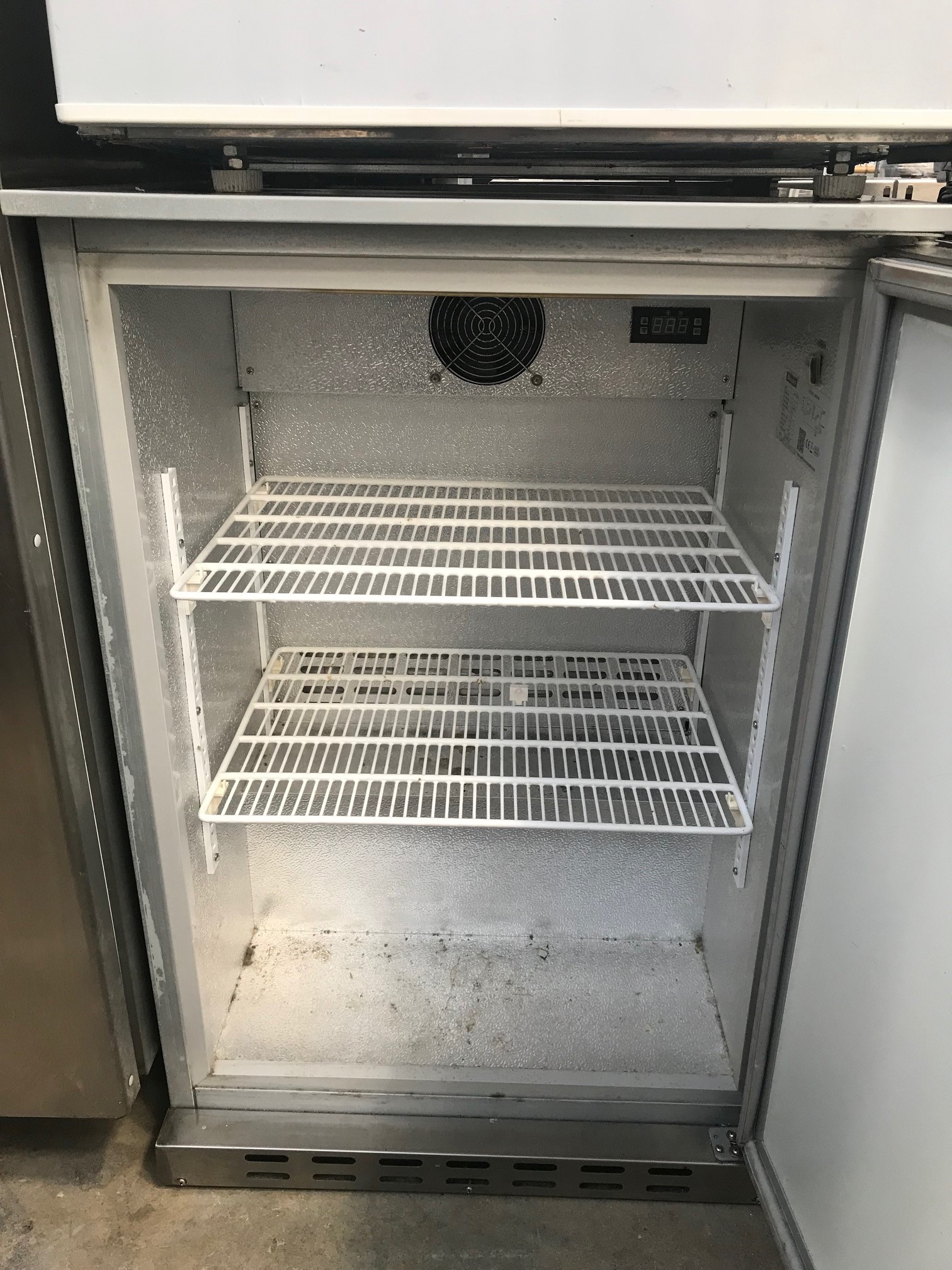 Lot 21 - Blizzard Bz-bar1ss Single door Back bar counter Back Bar Chiller Glass doors that can hold 130