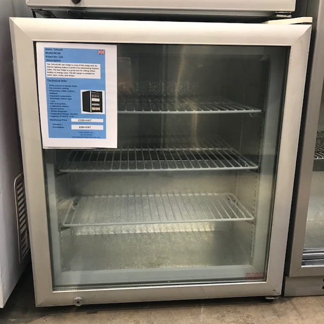 Lot 31 - Tefcold BC60 Single door bar chiller The Tefcold BC bar fridge is a top of the range unit. Its