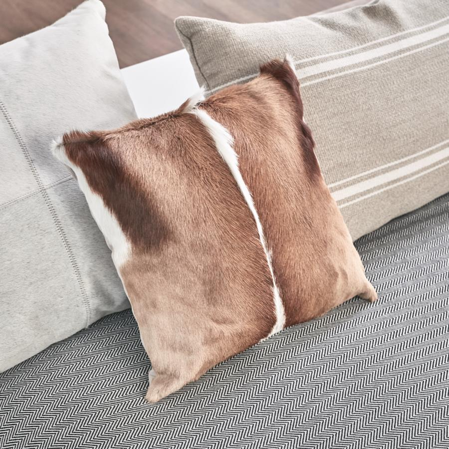 Lot 2 - Cushion - 4 x Springbok Cushions Handcrafted Genuine Springbok Hide Cushion 40x30x15cm RRP £625