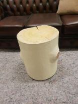 Lot 34 - Stool - Bleu Nature F252 Logglove Occasional Table / Stool White Pebble Leather 40 x 37 x 45cm