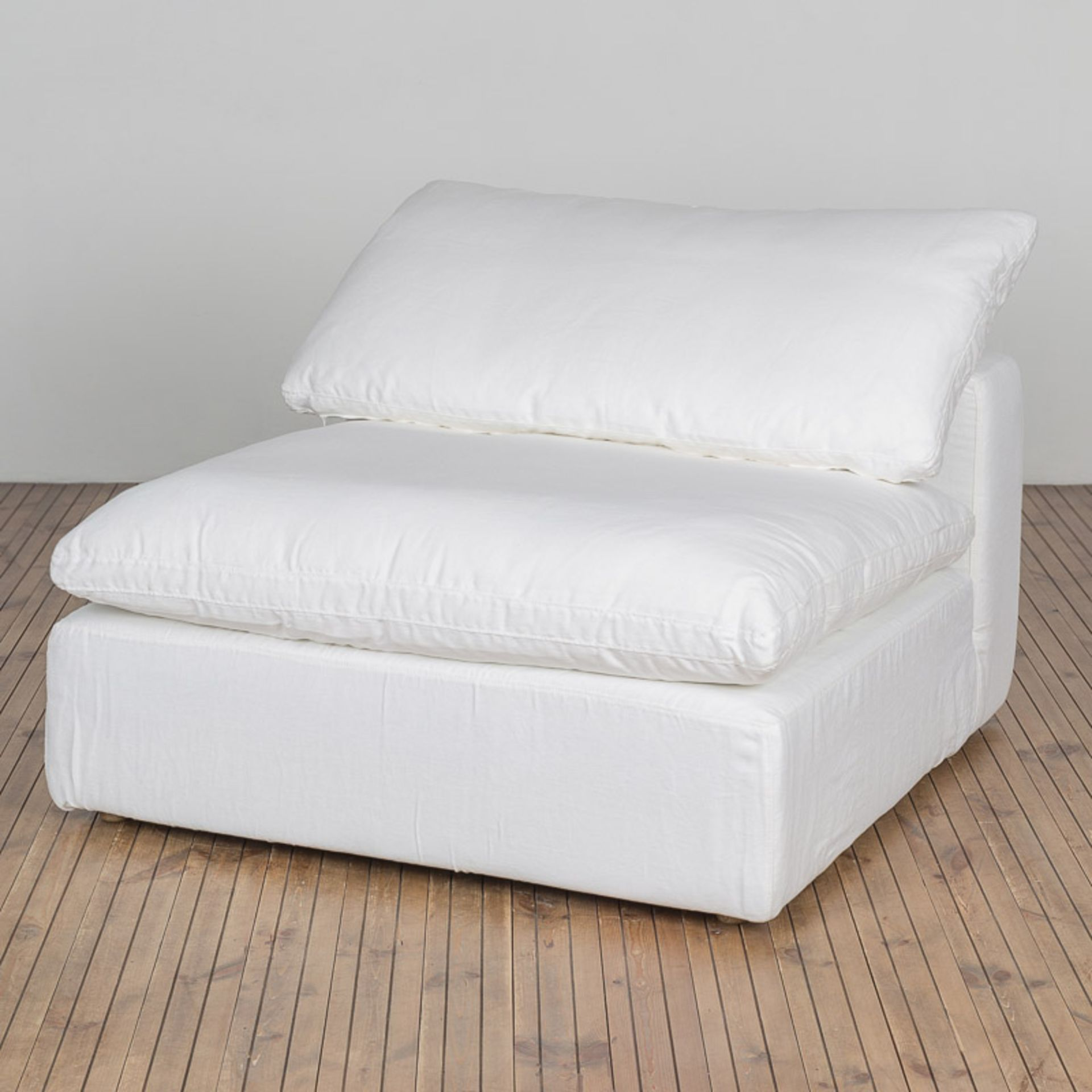 Lot 76 - Luscious 1 Seater Sofa Galata Linen White Made With Luxurious Goose Feathers And Down And