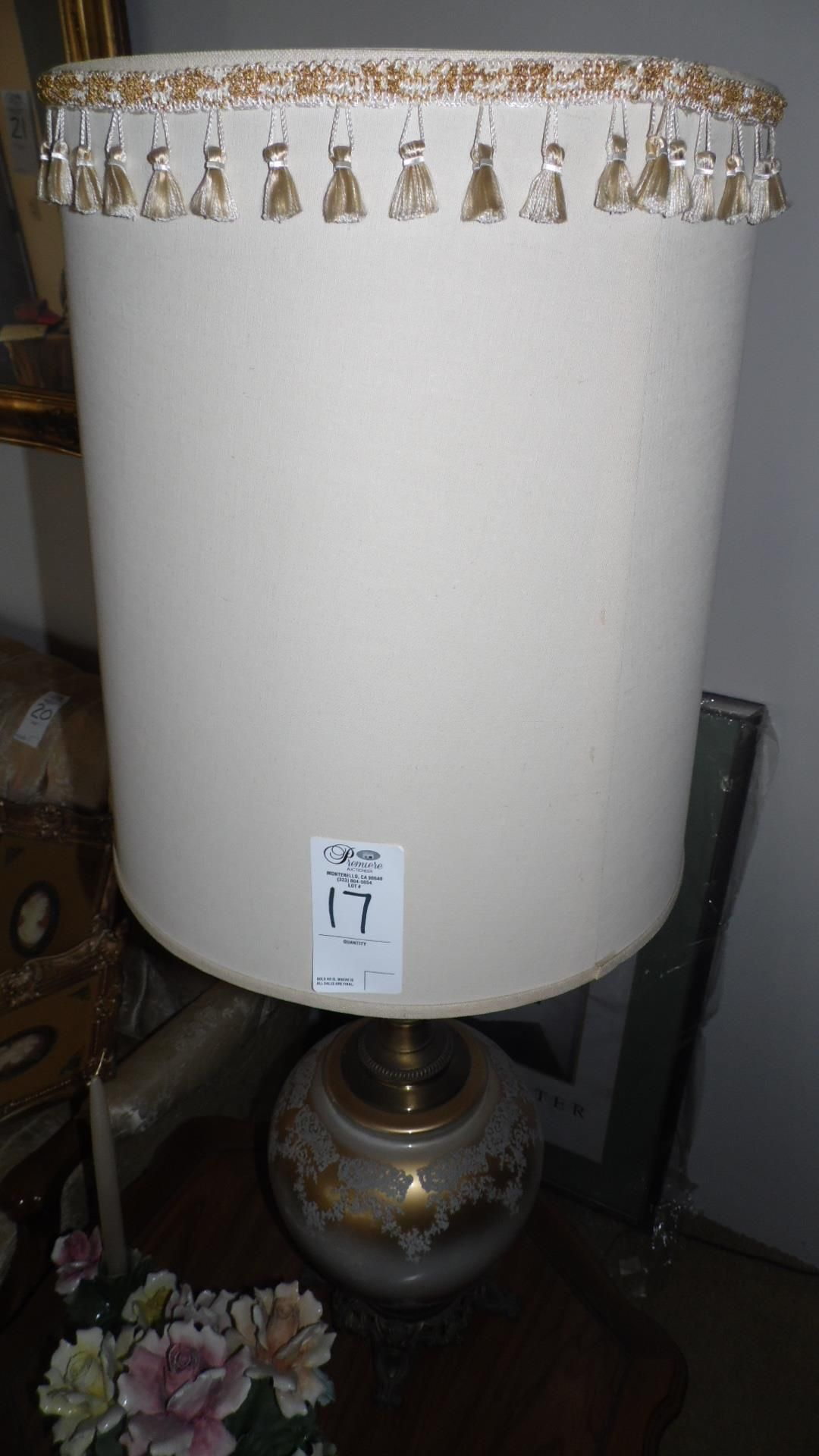 BROWN / WHITE LAMPS