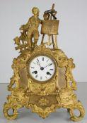 Kaminuhr Japy freres Paris um 1850. Durchbrochen gearbeitetes Metallgußgehäuse mit figürlicher