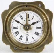 Wecker Gustav Becker um 1900. Metallgehäuse mit Emaillezifferblatt und lateinischer Minuterie.