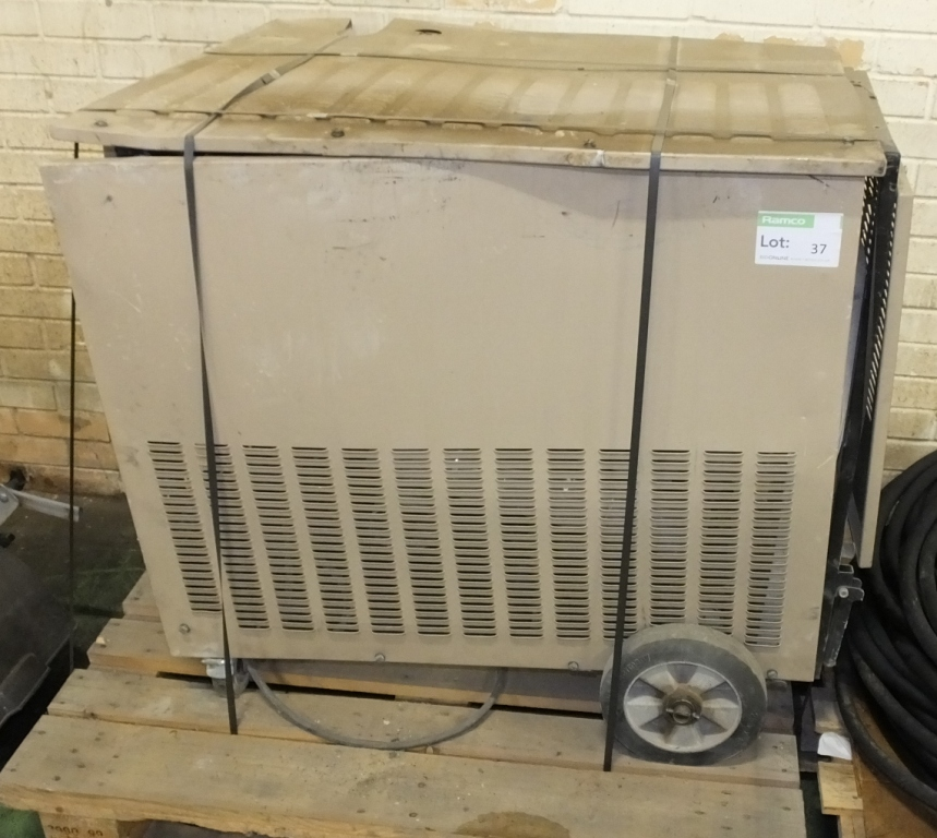 Lot 37 - Sert kerosene water heater type PEC 800