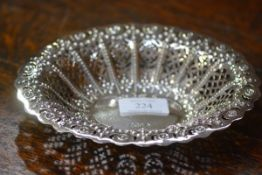 A late Victorian siler bon bon dish, Sheffield 1895, of oval form, with everted rim cast with
