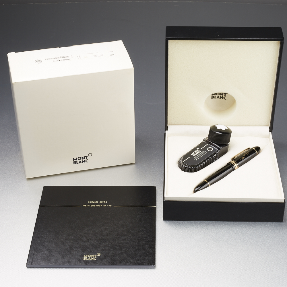 """Lot 52 - Montblanc Barack Obama """"Yes we can"""" Fountain Pen"""