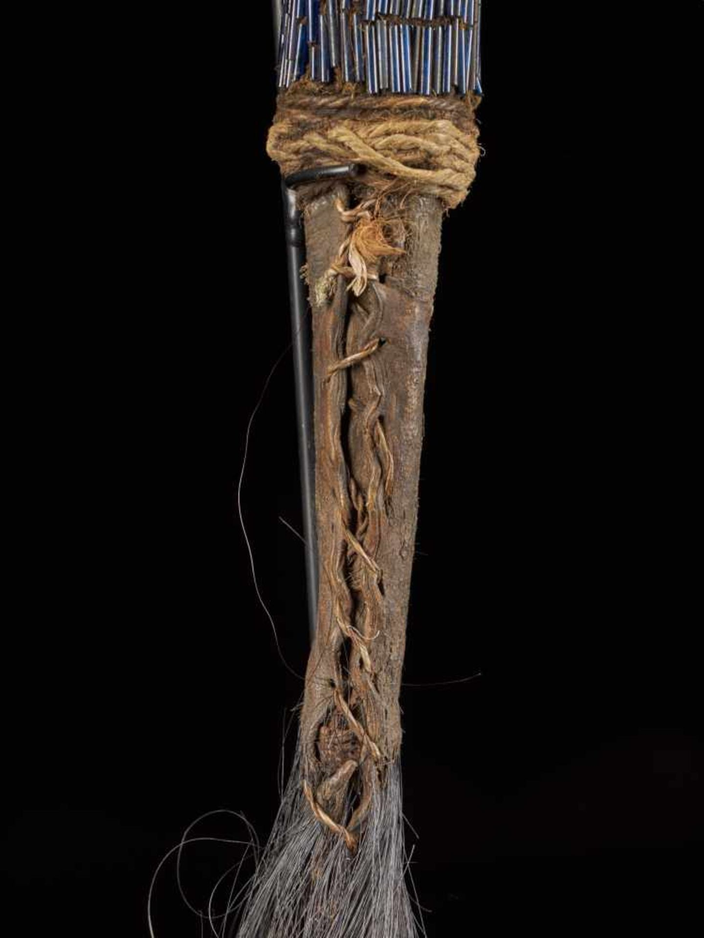 Beaded Flywhisk - Rooster - Tribal ArtThe Royal Fly Whisks (ethnic names: see leng koko or beuka) - Bild 6 aus 8