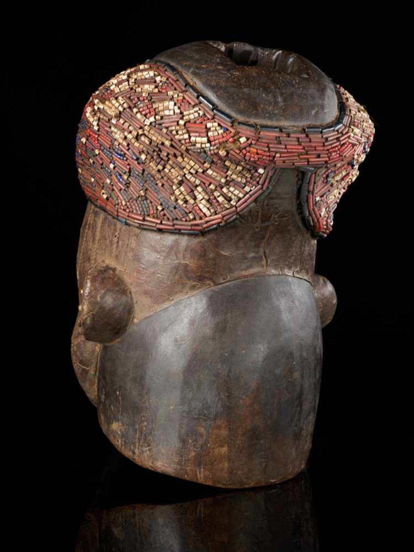 Beaded Helmet Mask - Copper Covered Face - Tribal ArtThis gorgeous wooden mask is detailed with a - Bild 3 aus 5