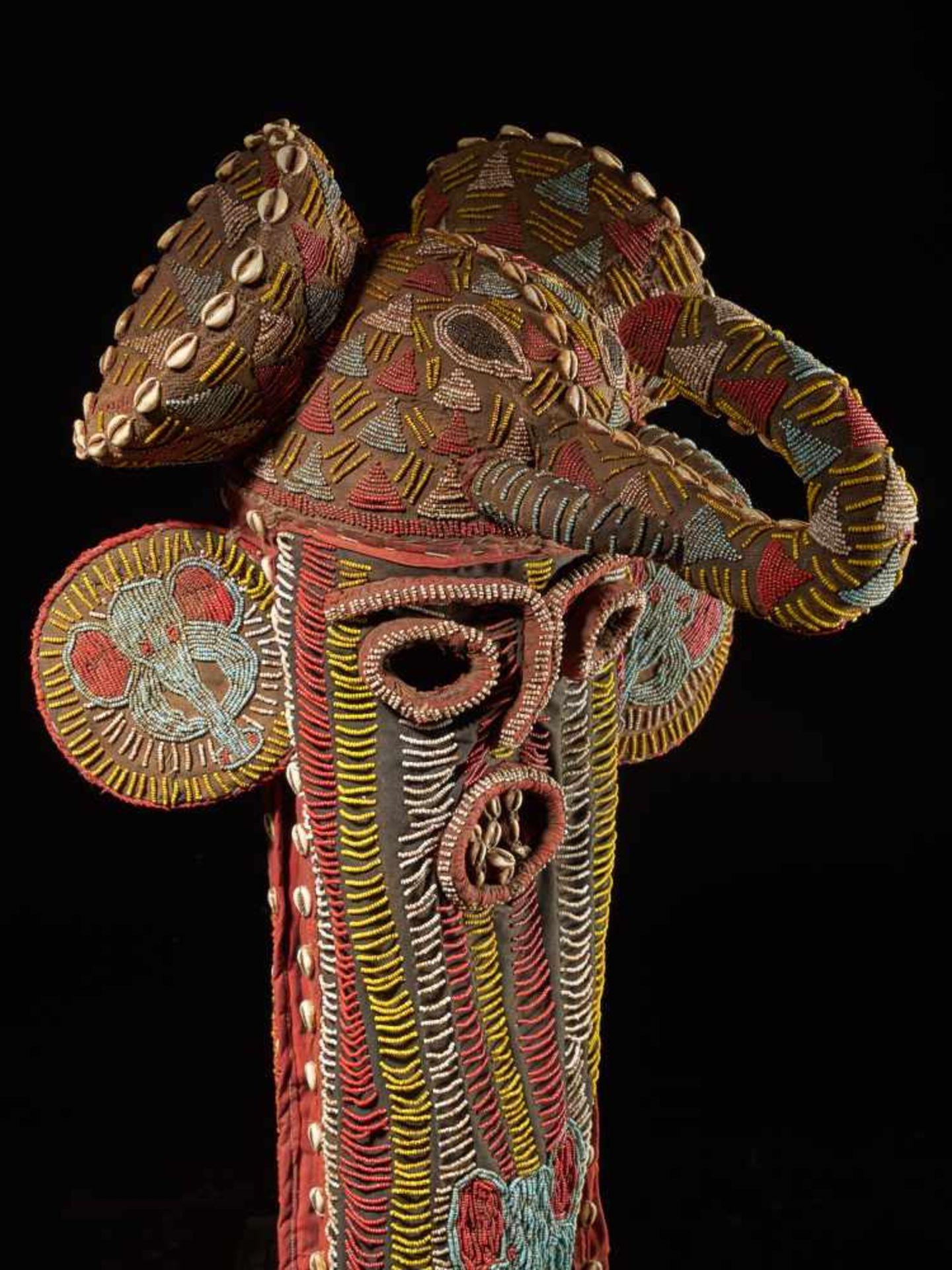 Beaded Elephant Mask, Grassland People, Cameroon - Tribal ArtDescription: The mask has been - Bild 6 aus 10