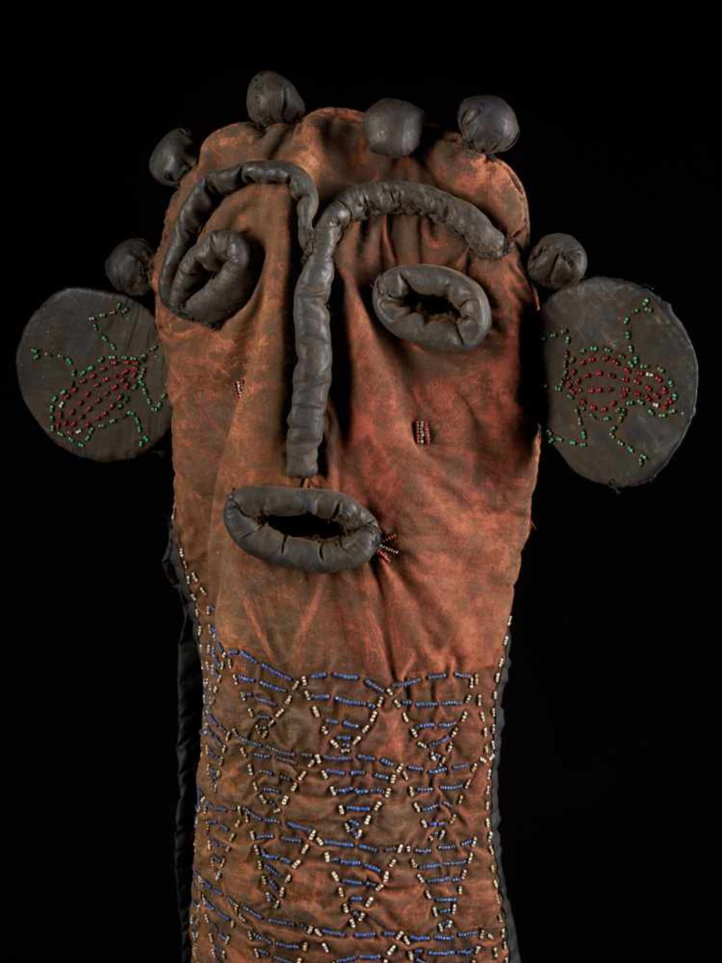Partly Beaded Black Kuosi Elephant Mask - Tribal ArtThis elephant mask is characterised by an - Bild 9 aus 10