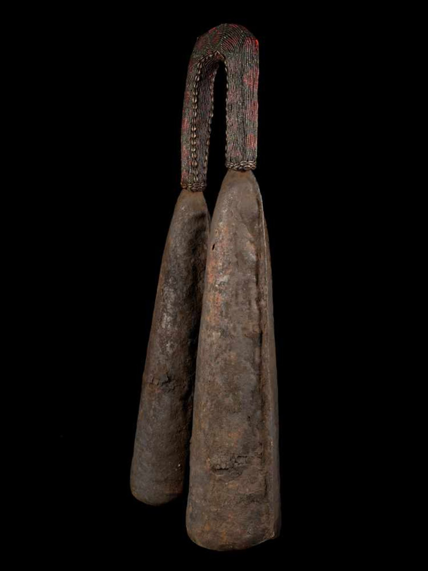 Ceremonial Double Gong With Beaded Handle - Tribal ArtThis ceremonial double gong consists of two - Bild 6 aus 6