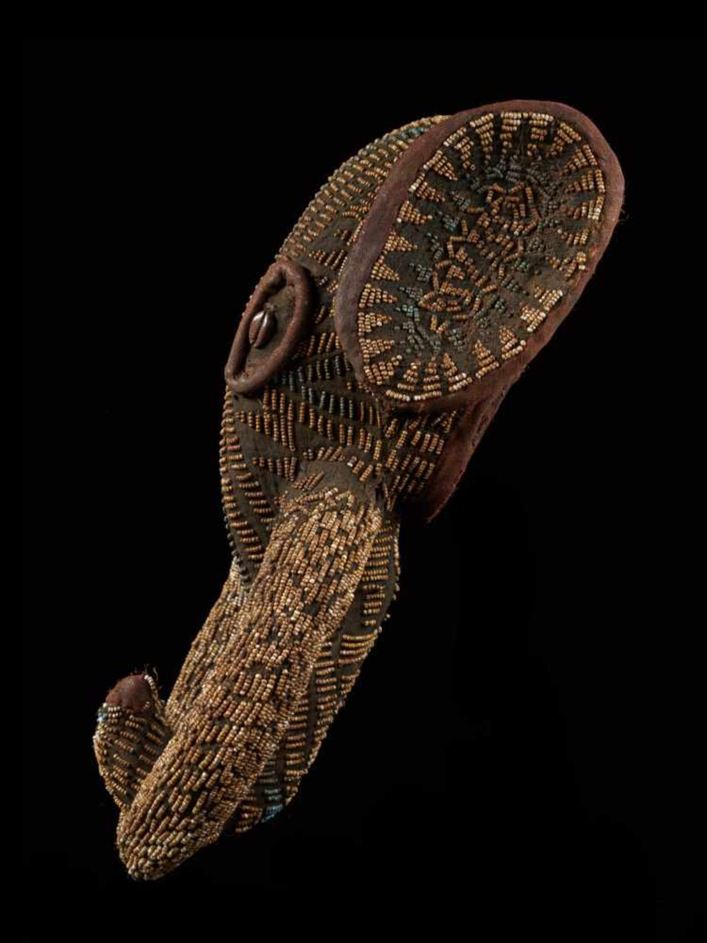 Beaded Small Elephant Mask - Tribal ArtAn enthralling elephant mask that is decorated with glass - Bild 7 aus 7