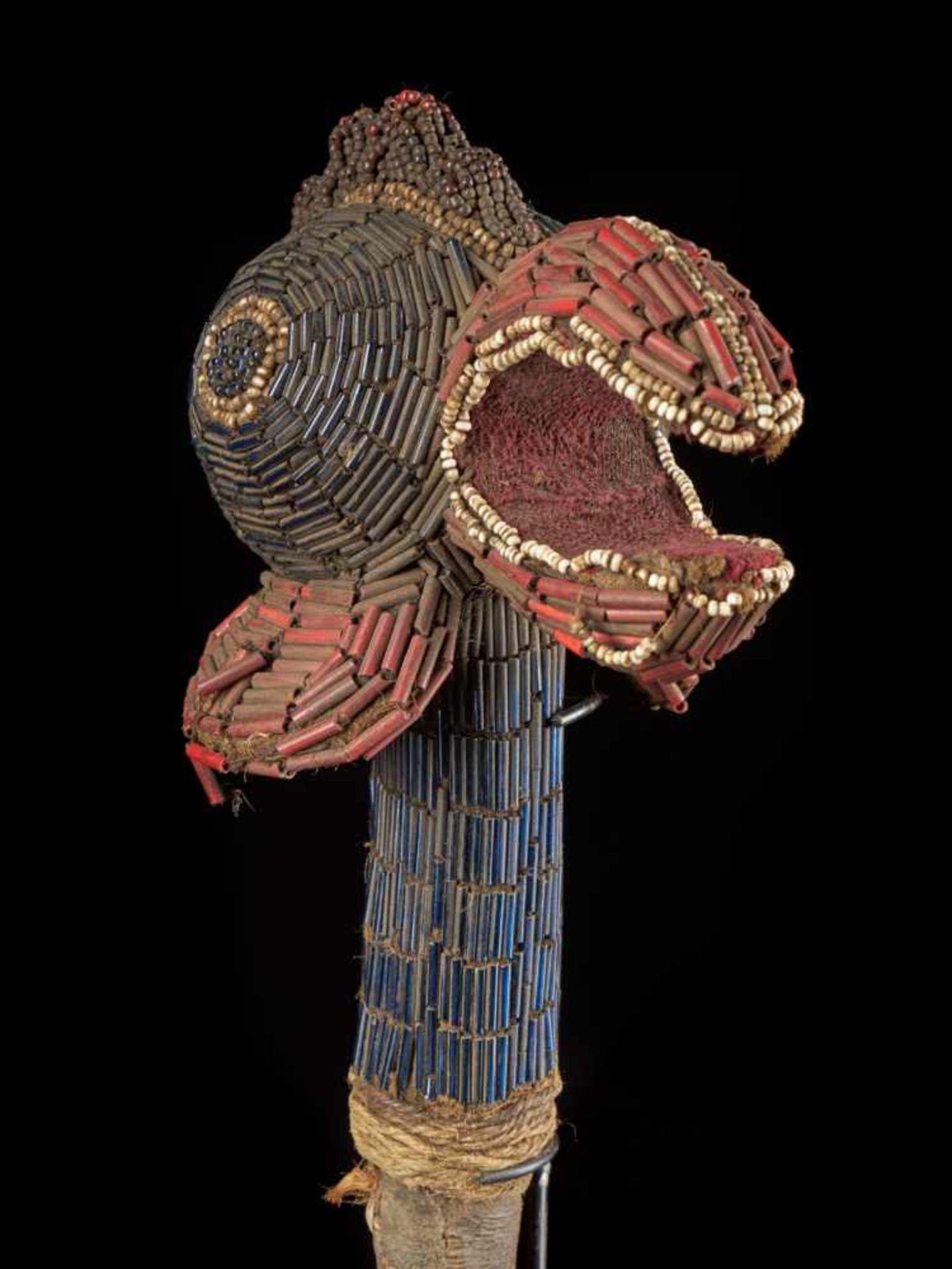 Beaded Flywhisk - Rooster - Tribal ArtThe Royal Fly Whisks (ethnic names: see leng koko or beuka) - Bild 5 aus 8