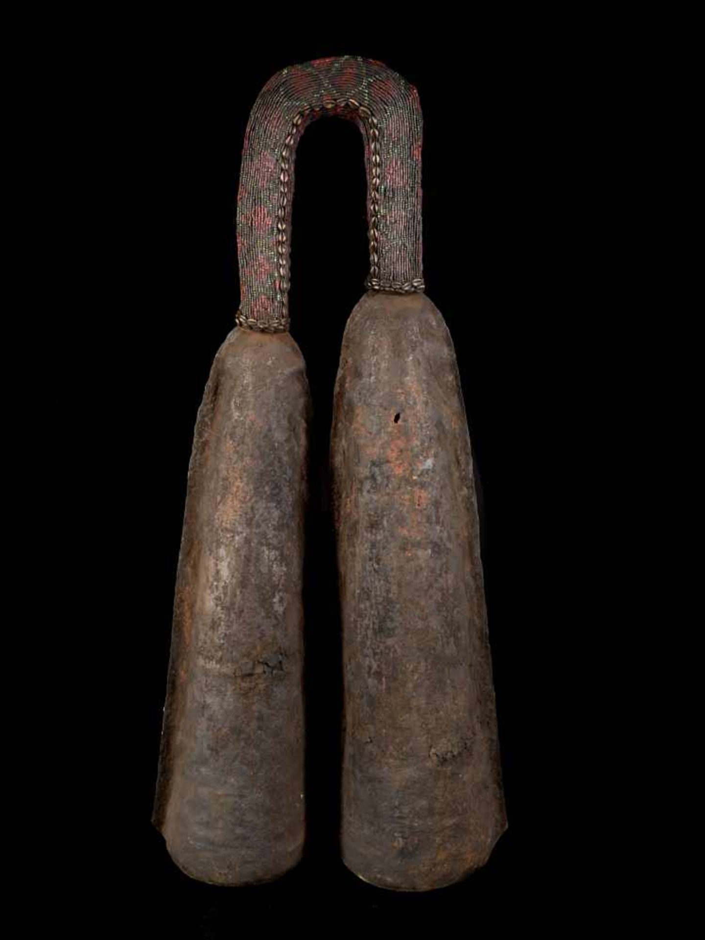 Ceremonial Double Gong With Beaded Handle - Tribal ArtThis ceremonial double gong consists of two - Bild 5 aus 6