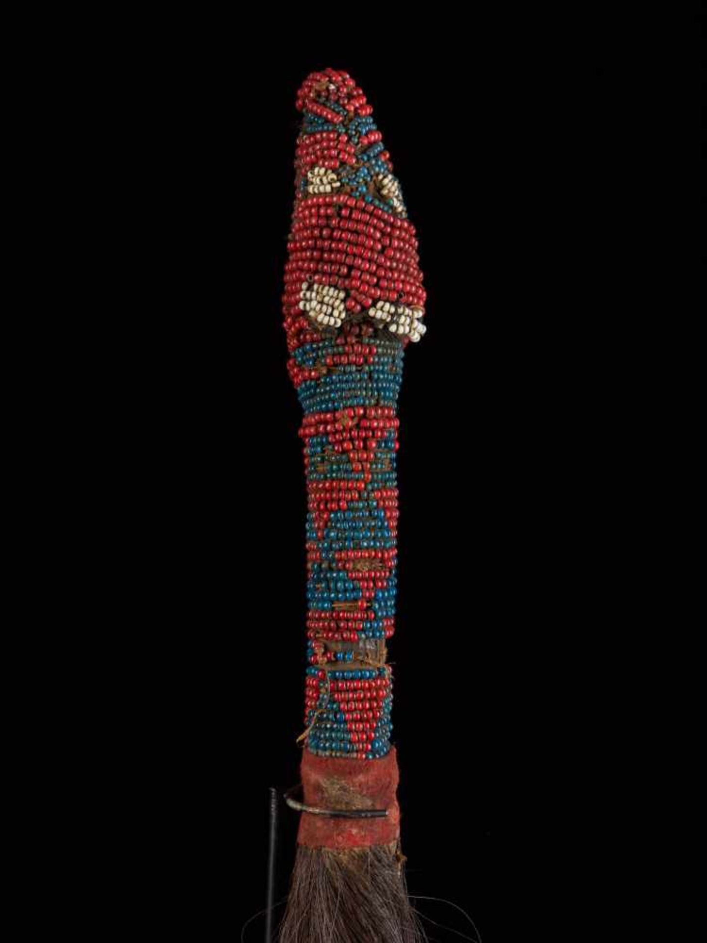 Beaded Throwing Flywhisk - Tribal ArtA gorgeously created beaded flywhisk. The handle is beautifully - Bild 5 aus 7