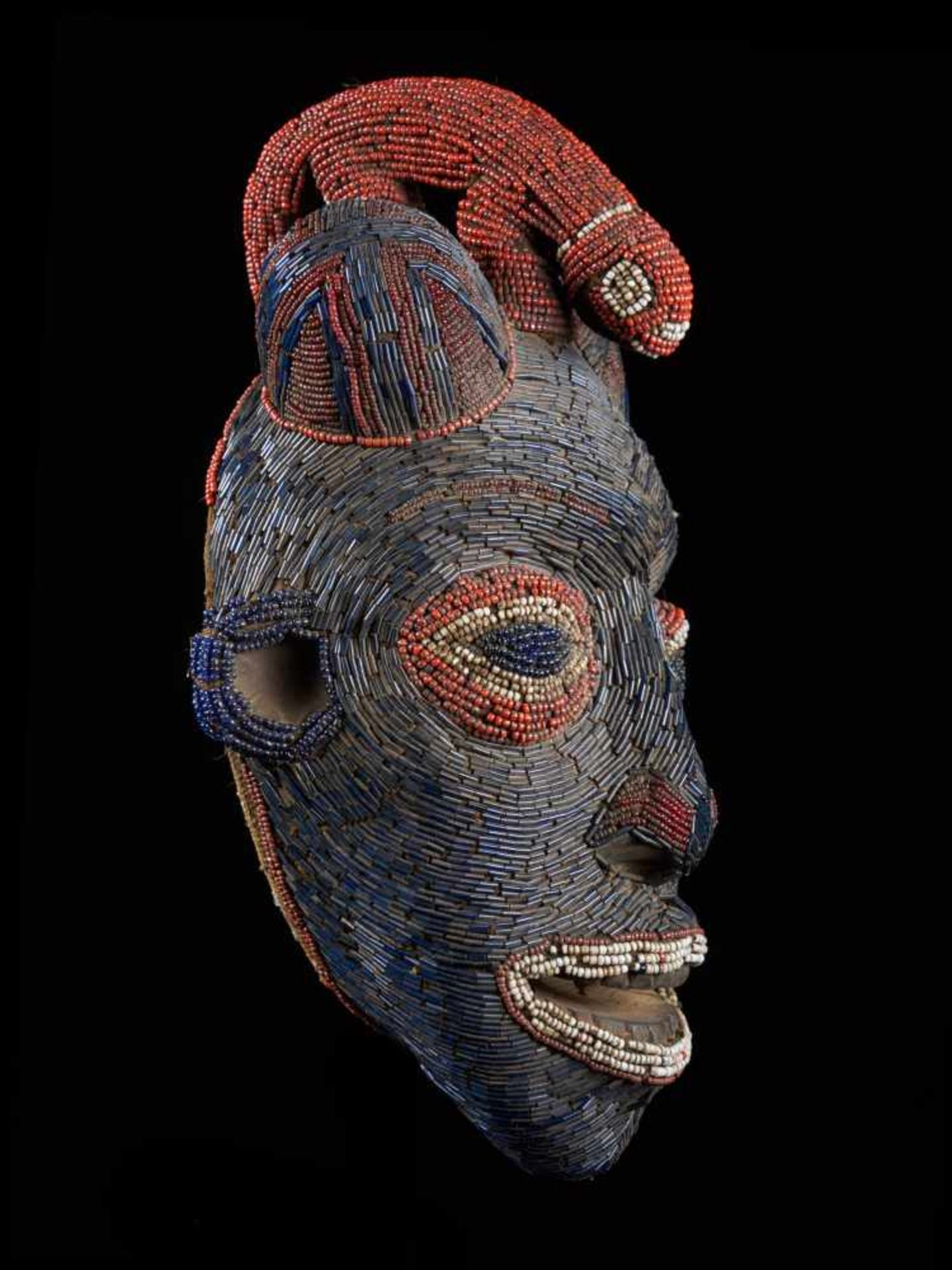 Facemask Topped With Leopard Figure - Tribal ArtAn exquisite blue face mask. This wooden mask is - Bild 6 aus 6