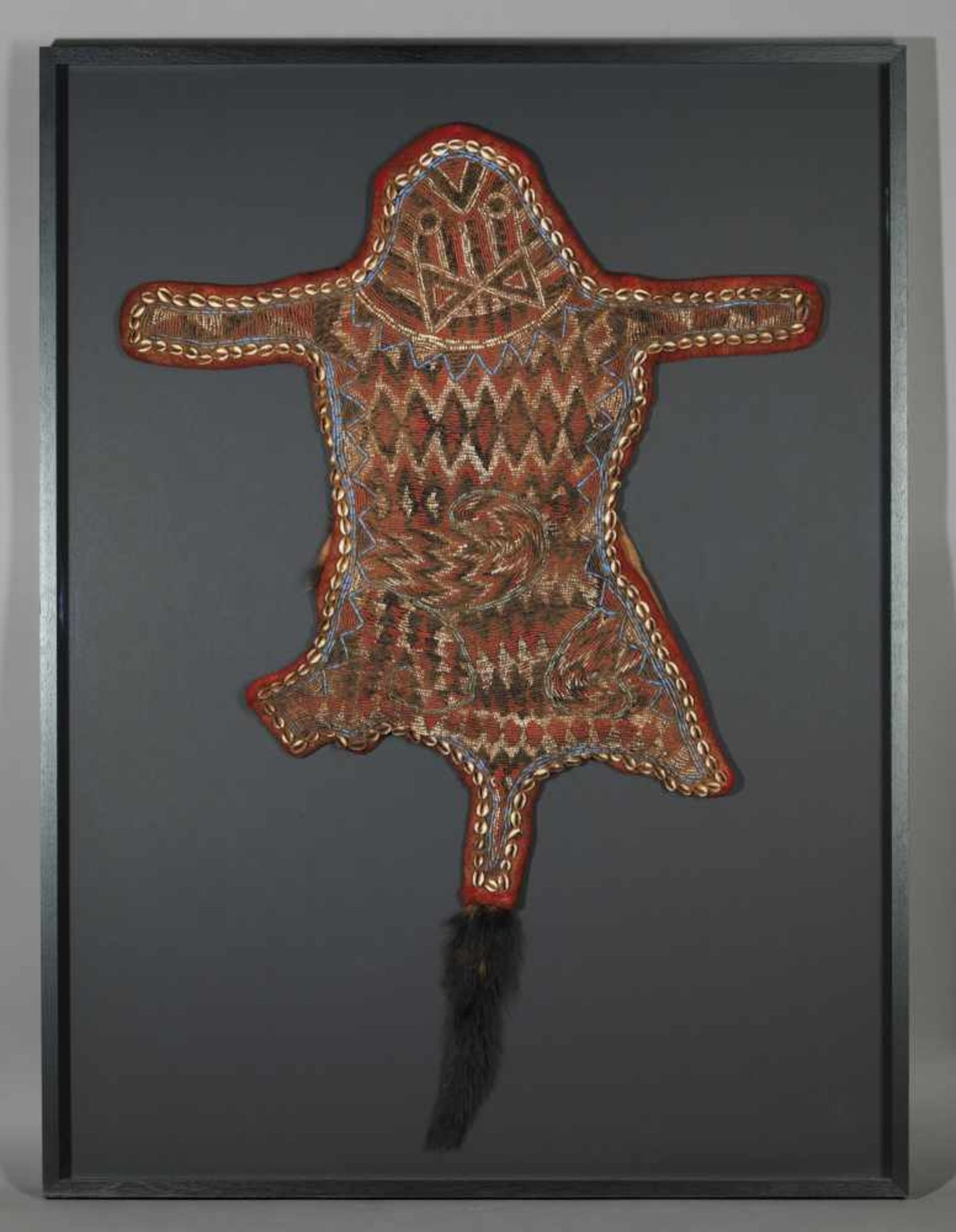 Beaded Ceremonial Dancing Cover For Queen Mother In Custom Made Frame - Tribal ArtThe skin, - Bild 3 aus 3