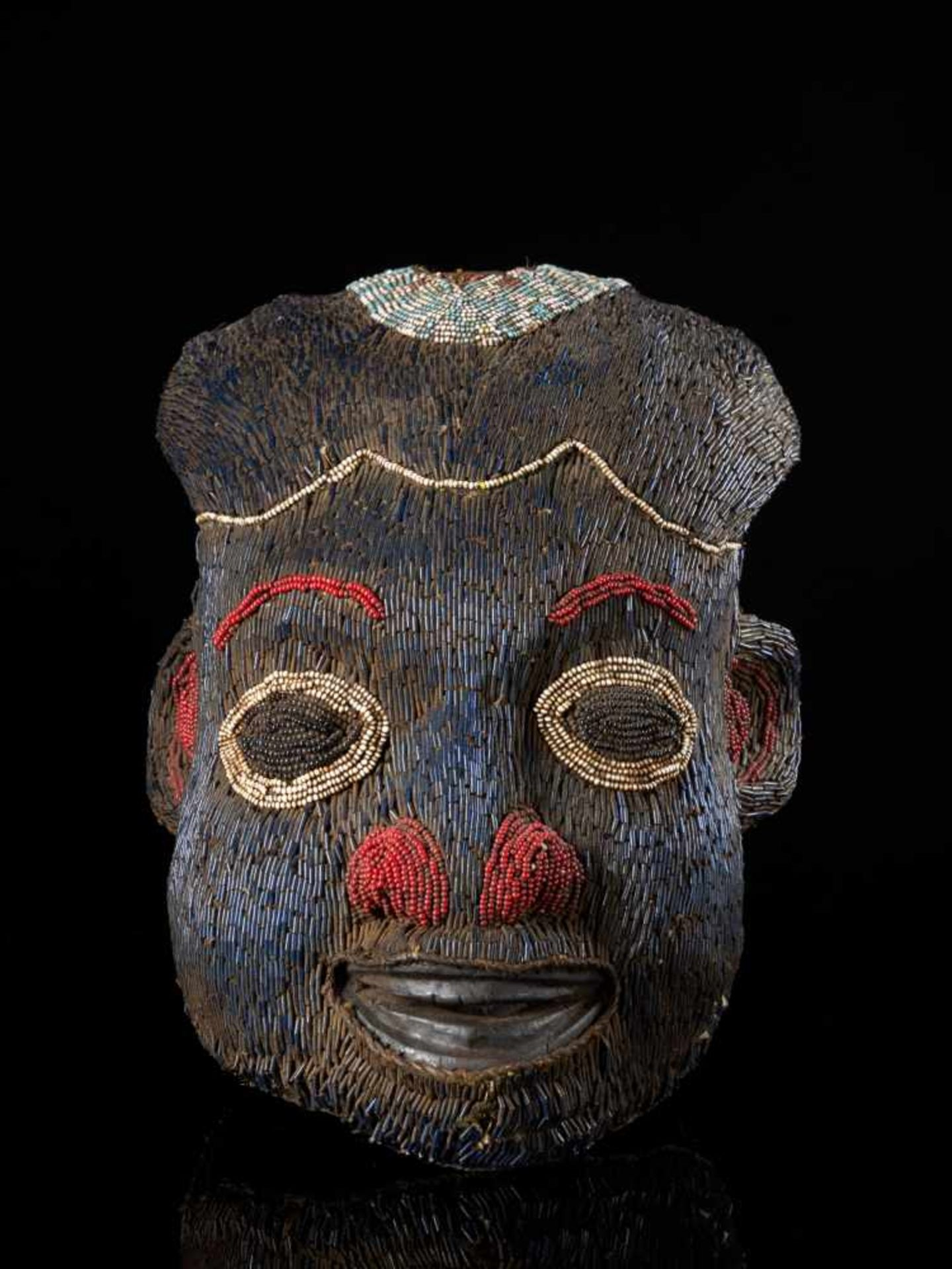 Beaded Helmet Mask Blue-Wooden Mouth - Tribal ArtThis characterful beaded blue mask has been - Bild 6 aus 6