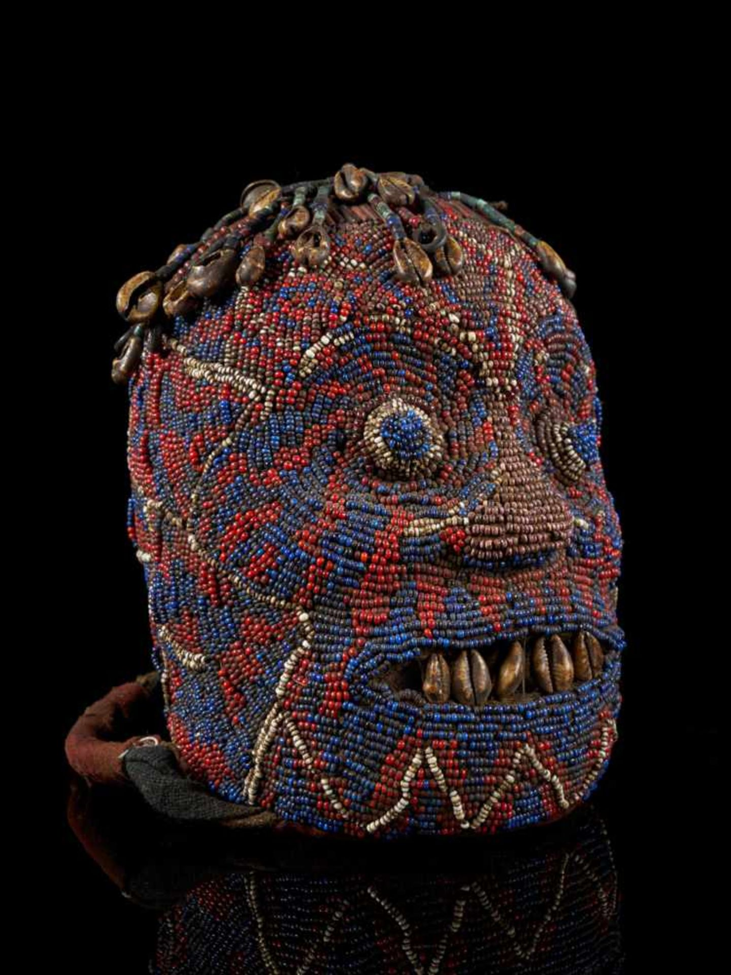 "Beaded Ceremonial Head ""Adwonzen"", Grassland People, Cameroon - Tribal ArtBeaded heads such as this, - Bild 6 aus 6"
