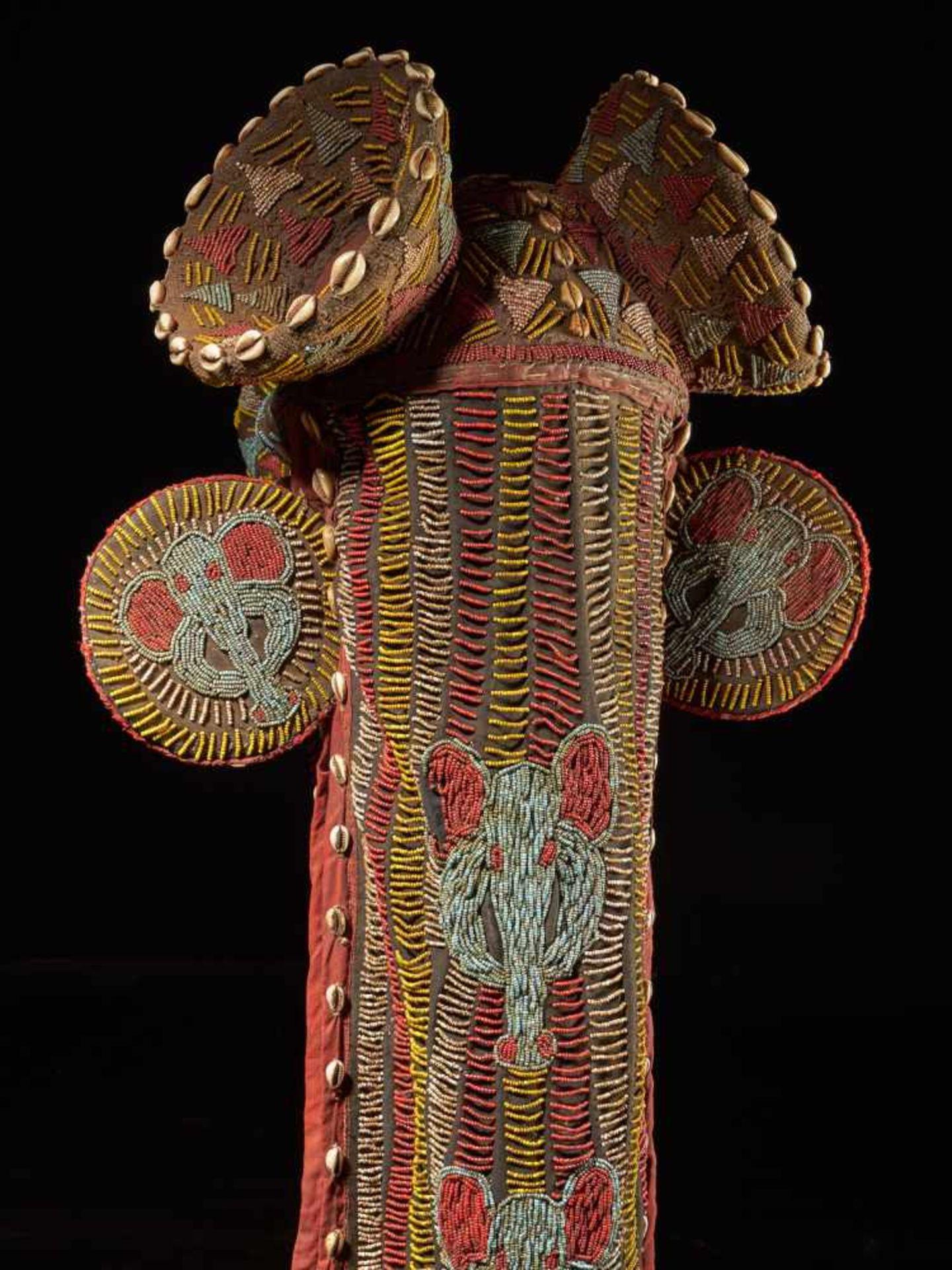 Beaded Elephant Mask, Grassland People, Cameroon - Tribal ArtDescription: The mask has been - Bild 4 aus 10