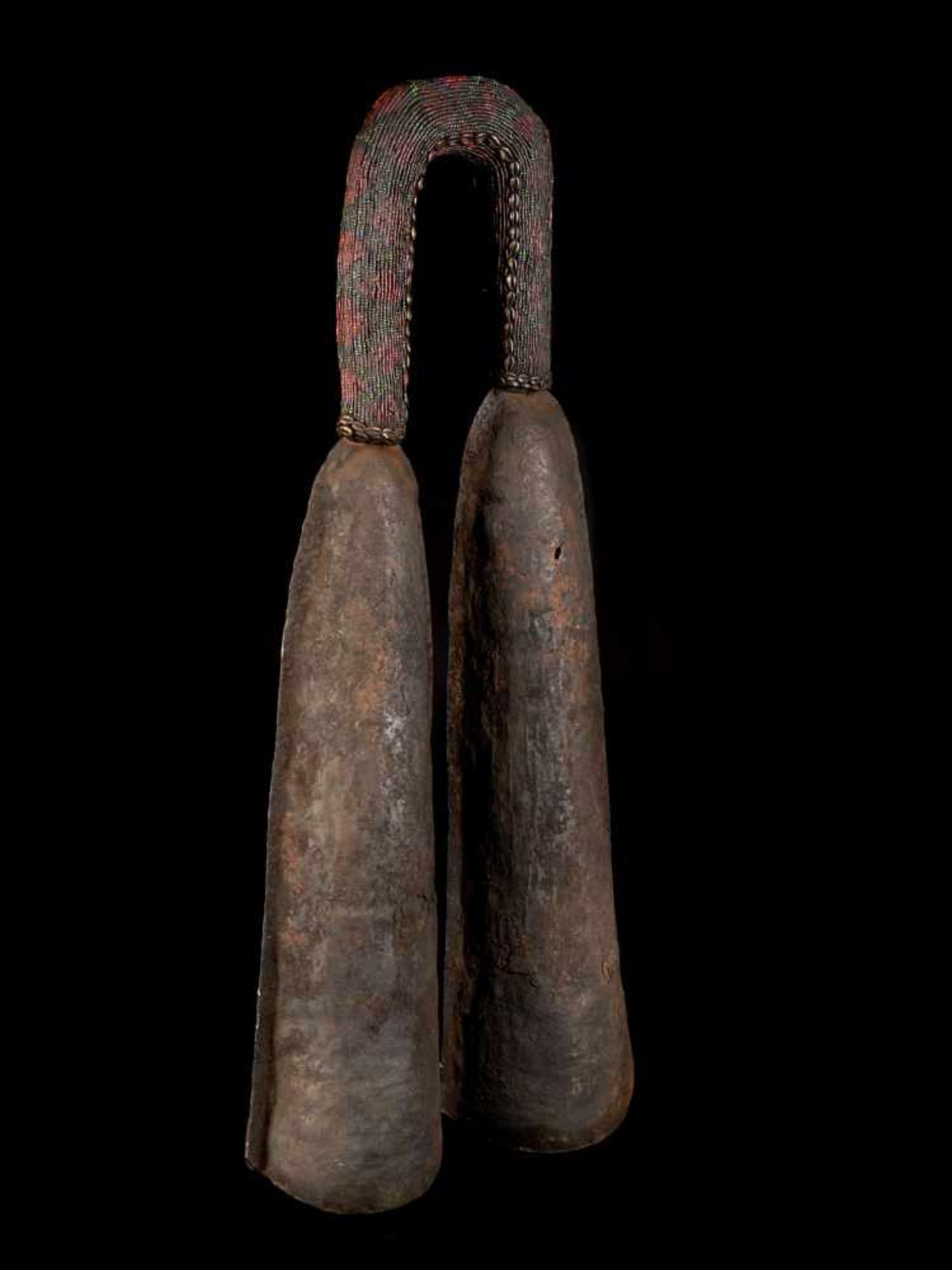 Ceremonial Double Gong With Beaded Handle - Tribal ArtThis ceremonial double gong consists of two - Bild 4 aus 6