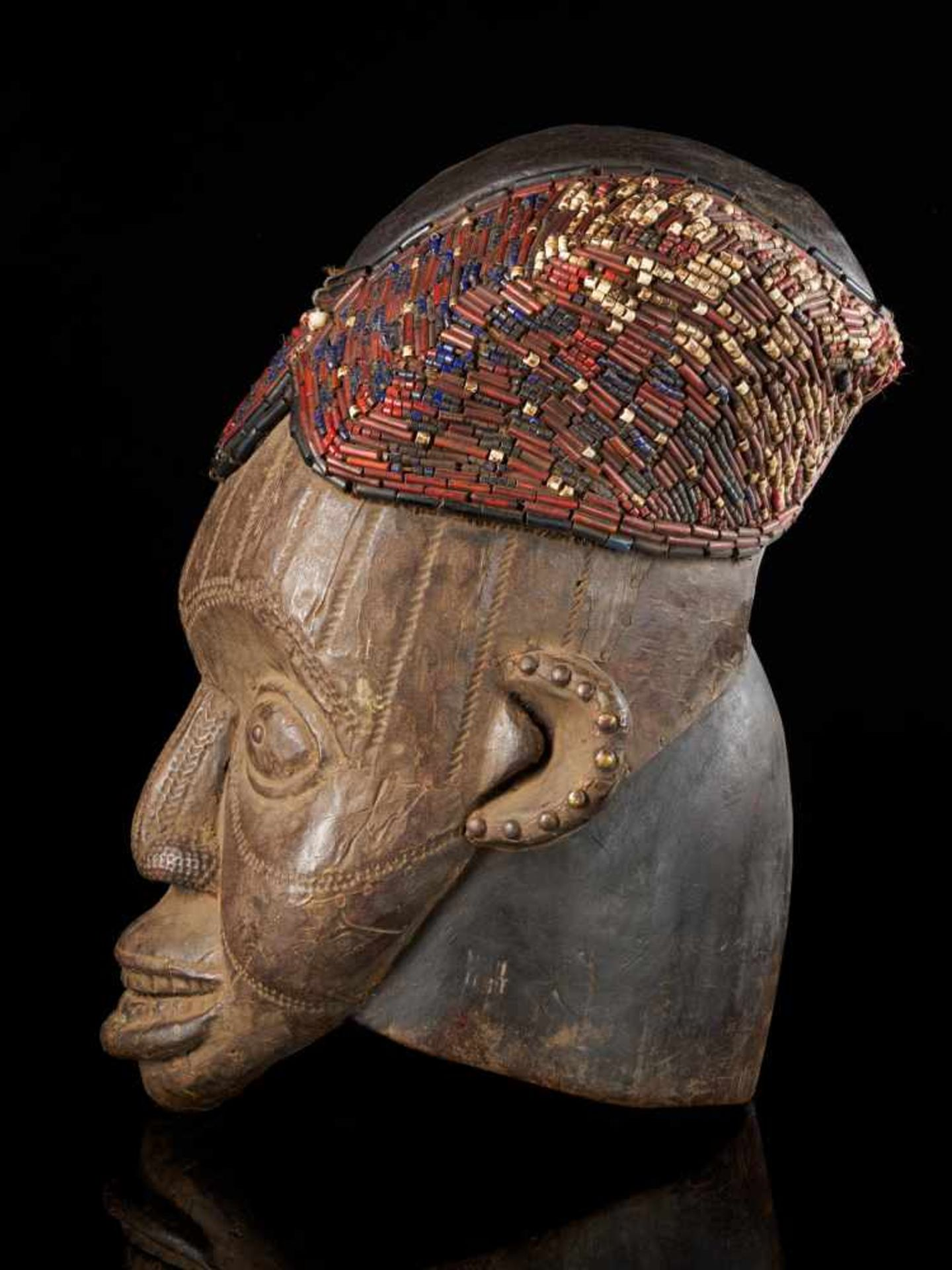 Beaded Helmet Mask - Copper Covered Face - Tribal ArtThis gorgeous wooden mask is detailed with a - Bild 2 aus 5