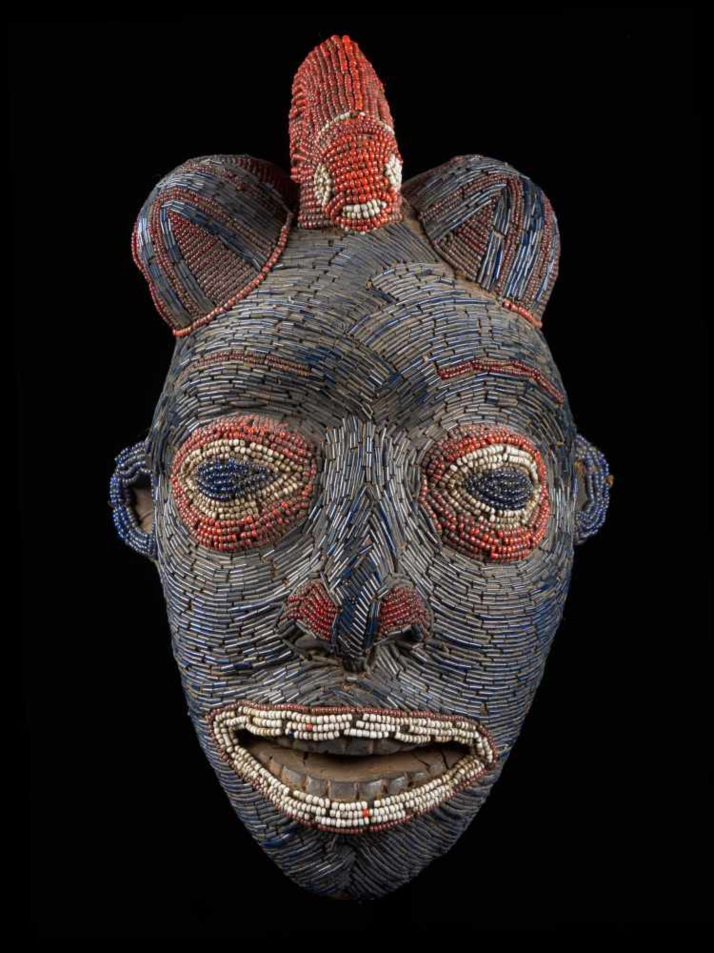 Facemask Topped With Leopard Figure - Tribal ArtAn exquisite blue face mask. This wooden mask is - Bild 2 aus 6