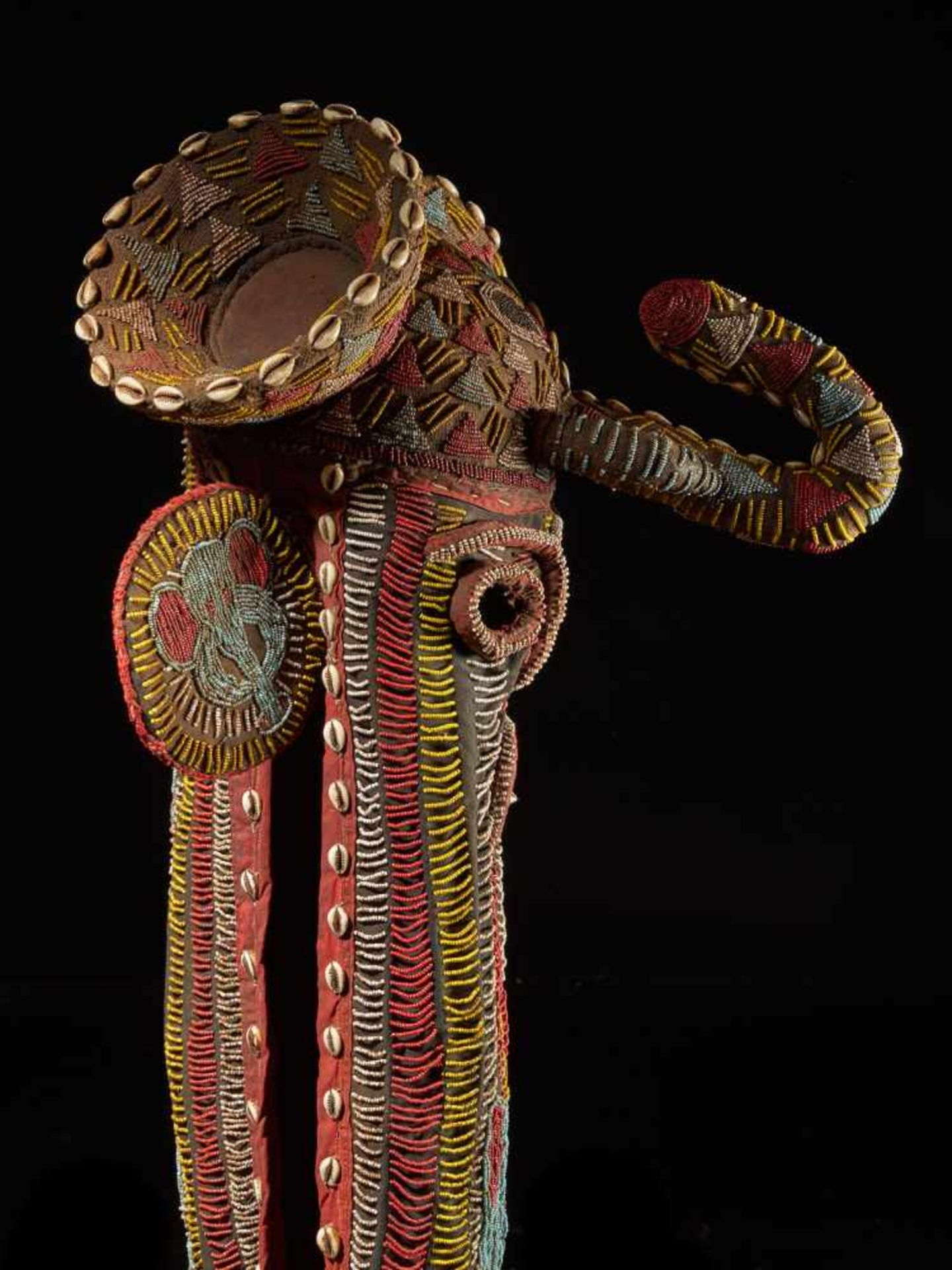 Beaded Elephant Mask, Grassland People, Cameroon - Tribal ArtDescription: The mask has been - Bild 5 aus 10