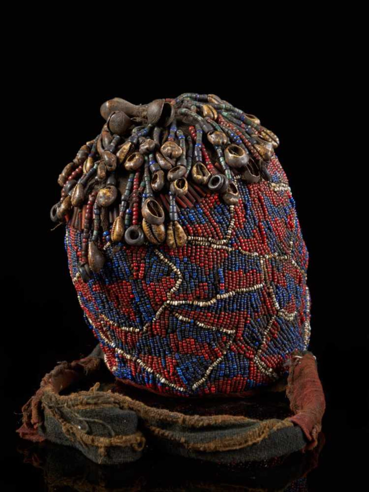 "Beaded Ceremonial Head ""Adwonzen"", Grassland People, Cameroon - Tribal ArtBeaded heads such as this, - Bild 5 aus 6"
