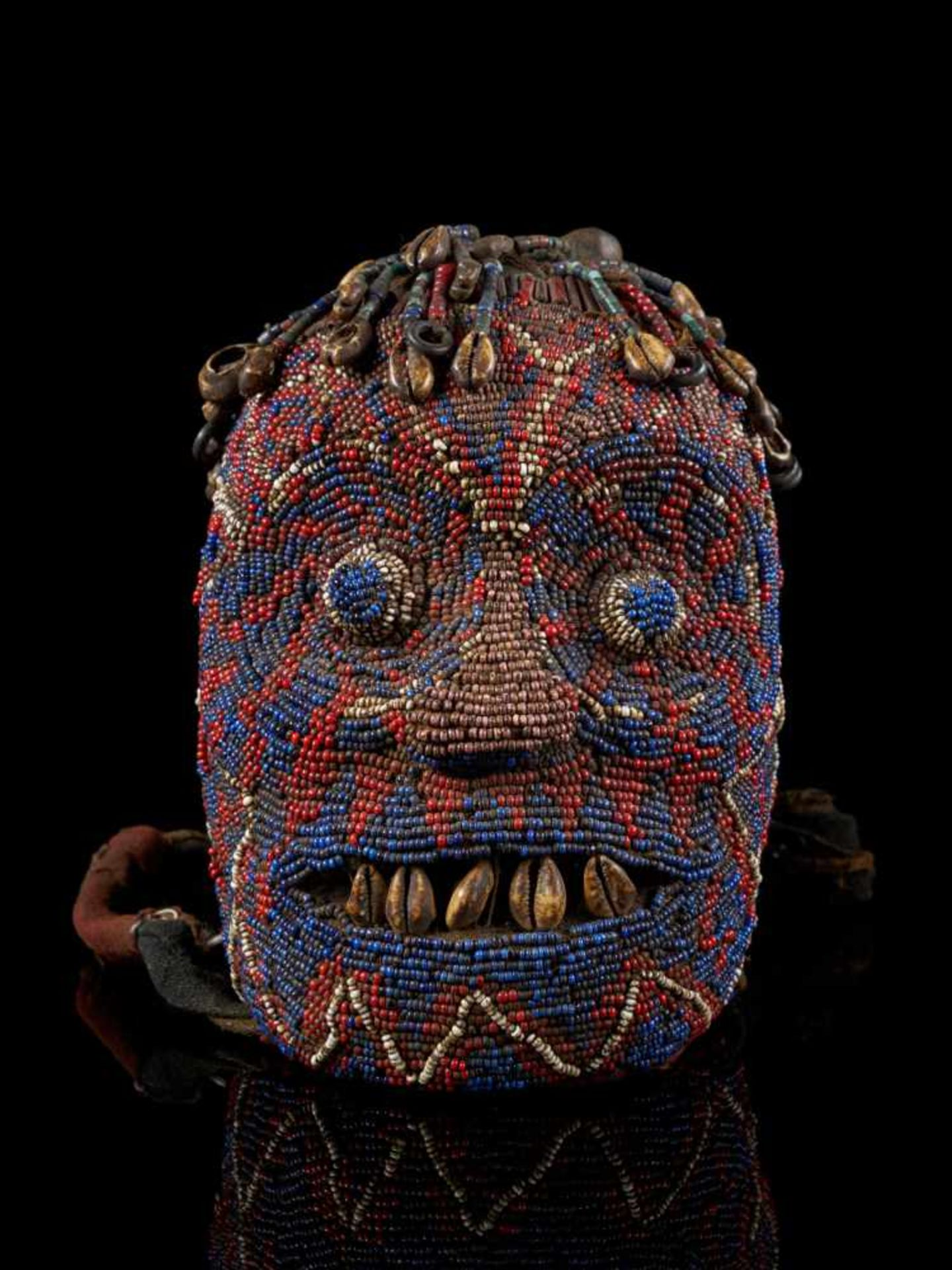 "Beaded Ceremonial Head ""Adwonzen"", Grassland People, Cameroon - Tribal ArtBeaded heads such as this, - Bild 2 aus 6"