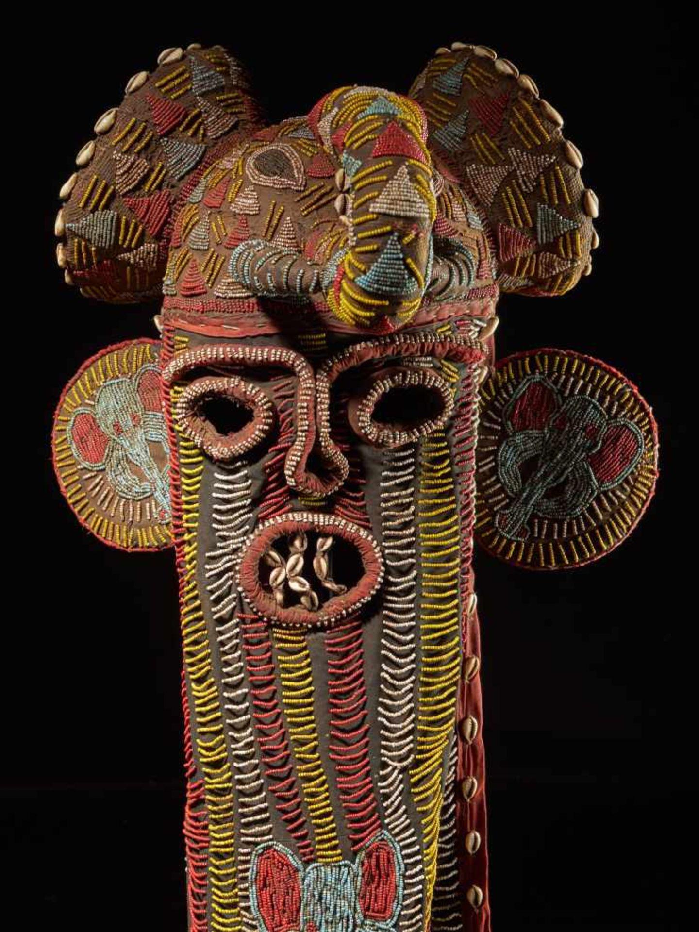 Beaded Elephant Mask, Grassland People, Cameroon - Tribal ArtDescription: The mask has been - Bild 2 aus 10