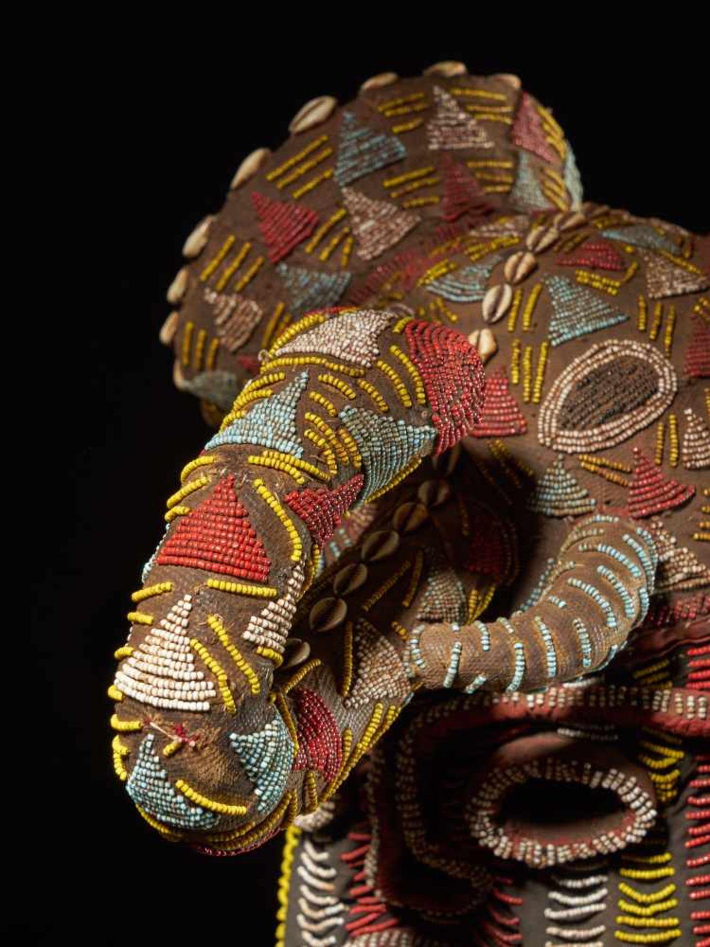 Beaded Elephant Mask, Grassland People, Cameroon - Tribal ArtDescription: The mask has been - Bild 7 aus 10