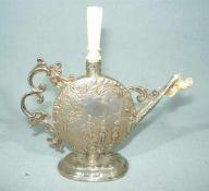 Bedeutende kleine Silberkanne mit Elfenbeinelementen. 800er Silber. Meisterpunzen. Ges. Gew. ca.