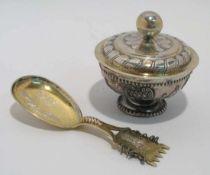 Löffel / Schälchen / Deckel Silber, tlw. teilvergoldet. Verschiedene Formen, Dekore und Marken (