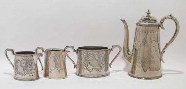 Kaffeekanne, zwei Sahnekännchen, Zuckerdose Versilbert. Konisch mit rundem bzw. ovalem