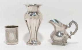 Sahnekännchen / Becher / Vase Frankreich (u.a.). Silber, der Becher innen mit Resten von Vergoldung.