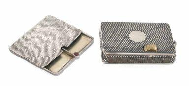 Streichholzdose / Briefmarkendose Silber, innen vergoldet. Niello-Schachbrettdekor bzw.