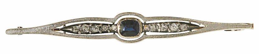 Stabnadel Um 1900 14 K RG, Silber, Marke (585). Besetzt mit einem Saphir in Antikschliff, ca. 0,25