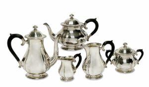 Kaffee-/Teeservice, 5tlg. Jezler/Schweiz Silber. Birnform mit passigen Zügen und ovalem Querschnitt,