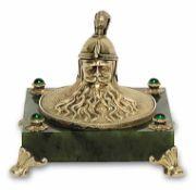 Tintenfass Im Stil von Fabergé Silber, vergoldet, Nephrit. Rechteckiger Sockel auf vier über Eck