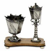 Becher und ÖllämpchenNiederlande, um 1846Silber. Konische, sechsseitige Kuppa mit schrägen floral