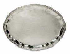 TablettItalien, Mitte 20. Jh.Silber. Oval. Geschweifter profilierter Rand.Marken (800).40 x 30 cm.
