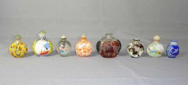 Kleine Sammlung Snuffbottles China, 19. und 20. Jh. Acht Stück; unterschiedliche Formen in