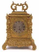 Reiseuhr Wohl Wien, 1. H. 19. Jh. Glanz- und mattvergoldetes und graviertes Bronzegehäuse reich