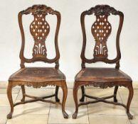 Paar Stühle im Barock-StilPortugal, 19. Jh.Auf geschwungenen, durch Kreuzsteg verbundenen Beinen und