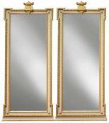 Paar Wandspiegel im Louis-XVI.-StilNeuzeitlichHochrechteckiger, verkröpfter Rahmen mit