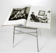 Newton, June (Hg.)Helmut Newton's SUMO464 S. mit über 400 Illustrationen. Hardcover, 50 x 70 cm, ca.